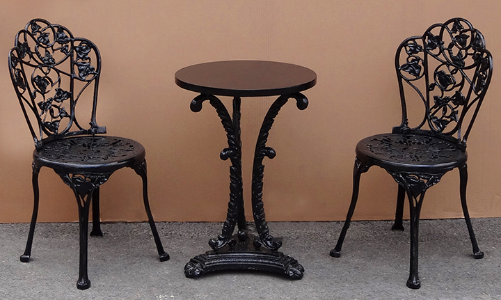 Powder Coated Outdoor Table & Chairs